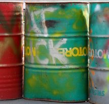 mediaitem/oil_drums_by_Oatsy40_on_Flickr
