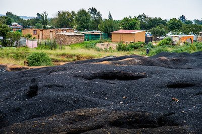 12 coal mine encroaching on community land_South Africa_2016