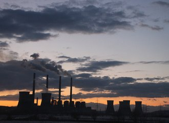 Coal-Fired-Power-Plant-at-Sunset_Turceni_42413_Emil.jpg