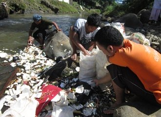 Garbage in the Ciliwung river