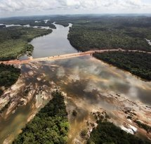 mediaitem/Dam_in_Xingu_river_Brazil_International_Rivers